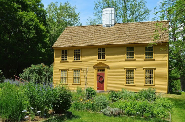 Parson Barnard House - North Andover, MA. This and many other First Period (1625-1725) historic homes will be open for our 17th Century Saturdays! http://northofboston.org/itineraries/self-guided-tours/17th-century-saturdays/