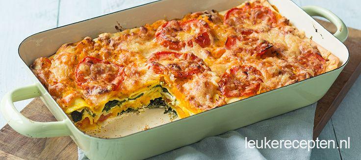 Heerlijke herfstige lasagne met laagjes geroosterde pompoen, spinazie en ricotta