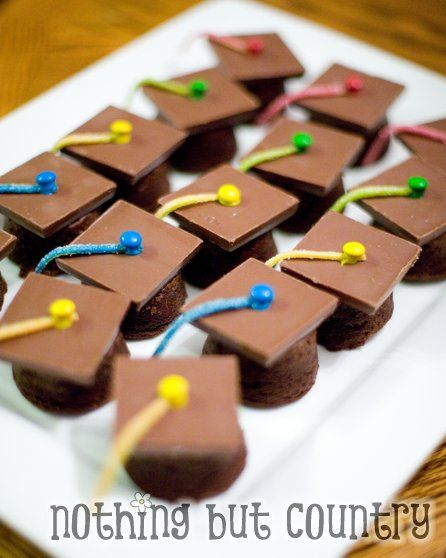 graduation: Graduation Caps, Graduation Treats, Brownies Bites, Preschool Graduation, Kindergarten Graduation, Brownie Bites, Graduation Ideas, Parties Ideas, Graduation Parties