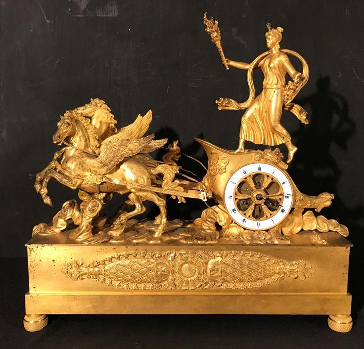 Pendule En Bronze Dore' Representant Le Char De La Victoire, AD Antiquités, Proantic