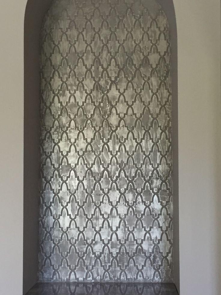 Metallic niche background