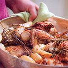 Een heerlijk recept: Kip uit de oven met rozemarijn olijven en citroen