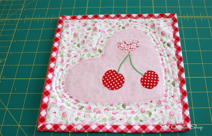 A free pattern, from us to you to celebrate Valentine's Day! #free #pattern #quilt #love #valentine