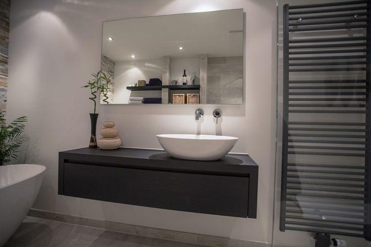 25 beste idee n over natuurlijke badkamer op pinterest neutrale badkamer en stenen gootsteen - Plan ouderslaapkamer met badkamer en kleedkamer ...