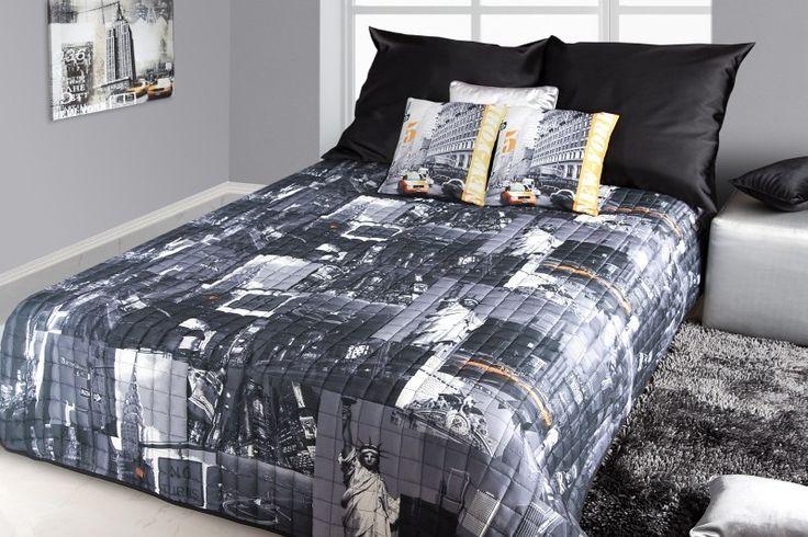 Přehoz na postel černé barvy s potiskem města New York