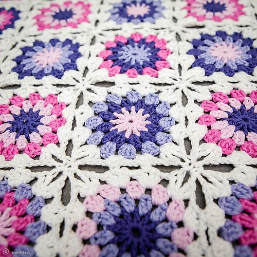 Ravelry: Project Gallery for Flowers in the snow pattern by Solveig Grimstad