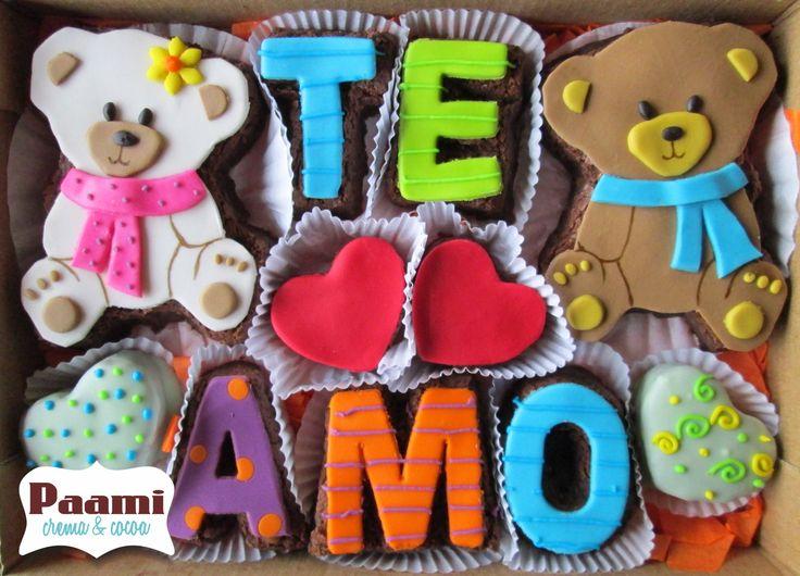 BROWNIES DECORADOS PAAMI...!  Elaborados en el más delicioso y exclusivo brownie gourmet de tradición en Bogota. *Por encargo, reserva YA! *Compra Original! No aceptes imitaciones. / Mensajes en brownie, brownies personalizados en Bogota =D #EdibleArt #brownies  regalo de cumpleaños