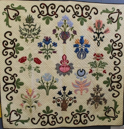 Canberra Quilters has a small group called Bill's Girls, specializing in Morris quilts like June's from a Michele Hill pattern.