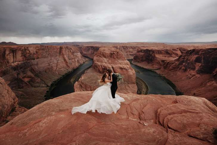 These 8 Shockingly Beautiful Wedding Photos Will Make You Swoon