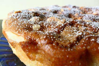TORTA DI PERE E MARSALA CON SALSA ZABAIONE. Scopri la ricetta qui ------> http://www.petitchef.it/ricette/dessert/torta-di-pere-e-marsala-con-salsa-zabaione-fid-1488980