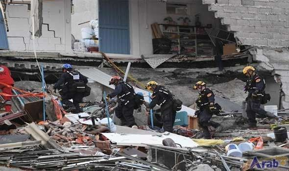 Mexico extends search for quake survivors
