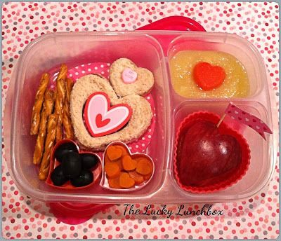 The Lucky Lunchbox/A very Heart-y lunch... 11-11-13 theluckylunch.blogspot.com
