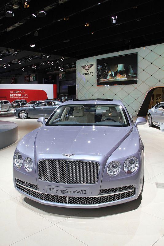 Bentley Flying Spur W12. ❇