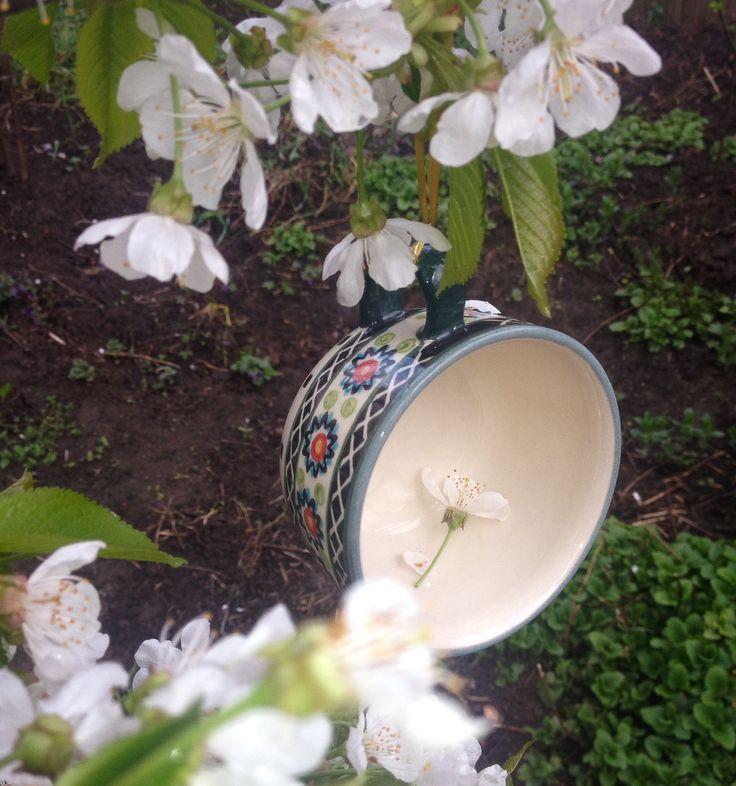 Весенний сад. #посударучнойработы #керамикаручнойработы #посуда #ceramics #pottery #polishpottery  ceramic tableware   pottery   polish pottery   boleslawiec   посуда   керамическая посуда   польская керамика    польская посуда   болеславская керамика   керамика