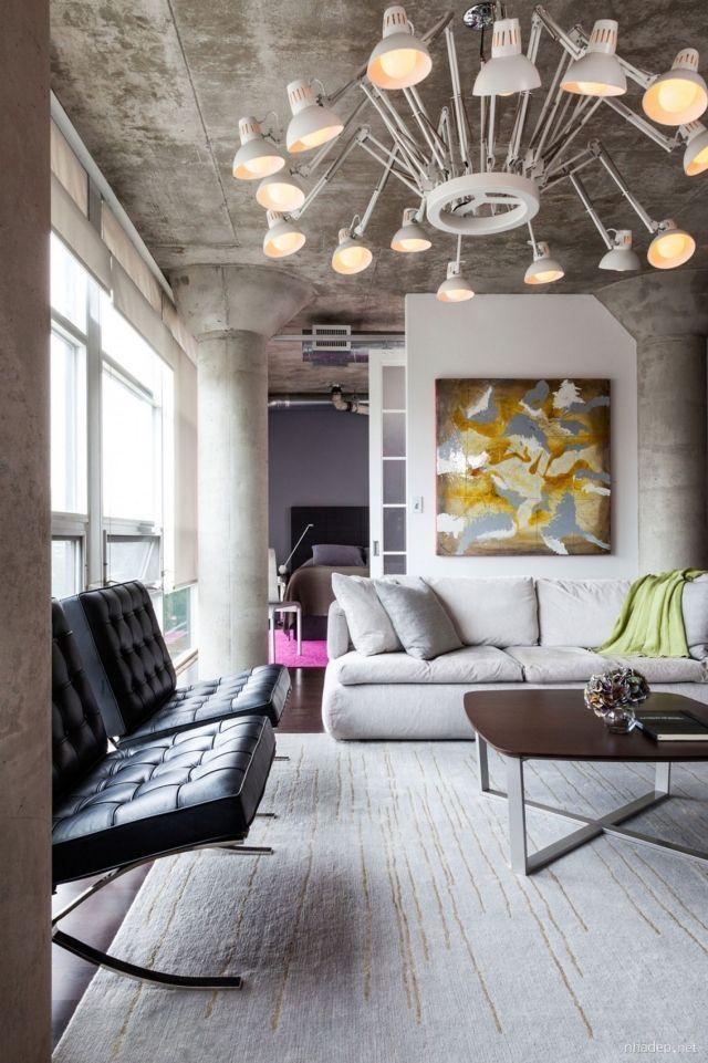 Loft Wohnung Wohnzimmer Decke Saulen Sichtbeton Kronleuchter LampDecke