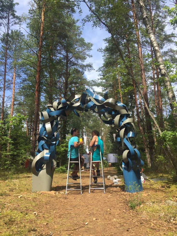 """Arrow Gates"" by /Glow Factory/ for ""Yaga Gathering"" music festival in Lithuania, 2017"