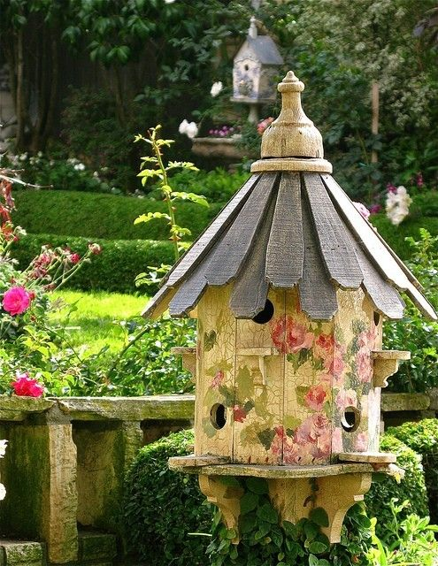 Bird HouseBirdhouses, Secret Gardens, Cottages Gardens, The Artists, Shabby Chic, Fairies House, Painting House, Birds House, Gardens Cottages