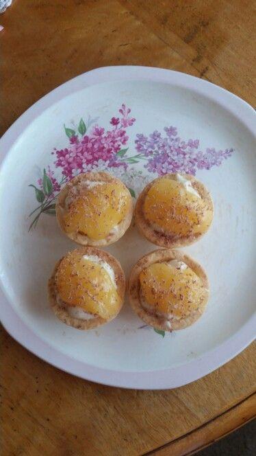 Mini lemon  and cream  cheese  tarts