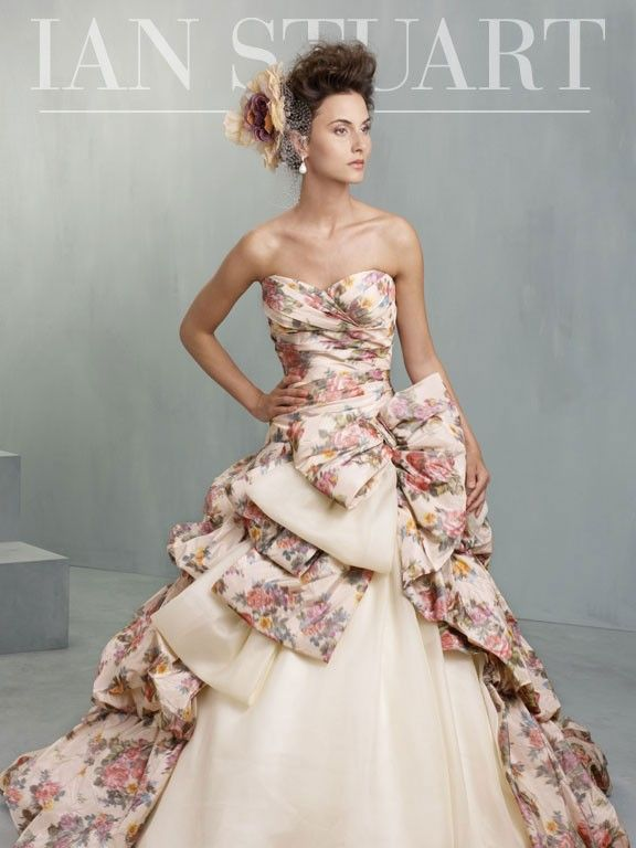 Ian Stuart Bride South Pacific - https://blog.oncewedding.com/2016/01/03/ian-stuart-bride-south-pacific/