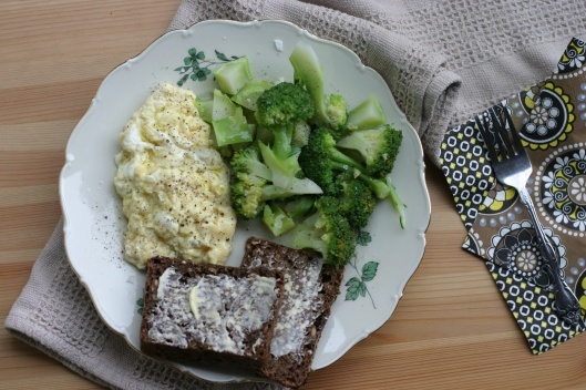 Boiled Broccoli Poached Scrambled Eggs