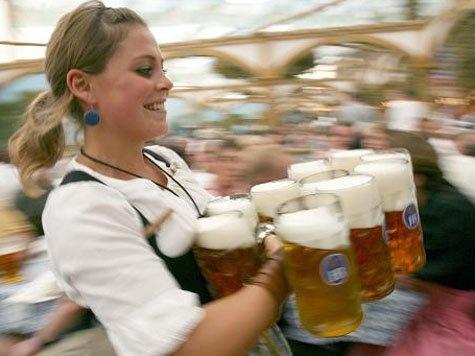 (11) ie Mass Bier auf dem Oktoberfest kostet in diesem Jahr zwischen 8,10 und 8,60 Euro. DiesePreisspanne hat das Münchner Tourismusamtnun bestätigt. Im Vorjahr hatten sich die Wiesn-Wirte noch mit7,80 bis 8,30 Euro zufriedengegeben.