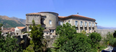 Teggiano Città Museo – Veduta Castello Macchiaroli  http://www.antichifeudi.com/teggiano-citta-museo/