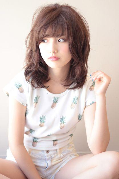 AFLOAT JAPANのヘアスタイル | セミディのエアリーパーマ | 東京都・銀座の美容室 | Rasysa(らしさ)