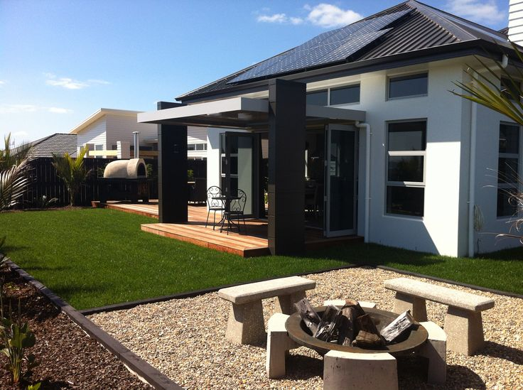 Stone wood show home with Shadow Deck