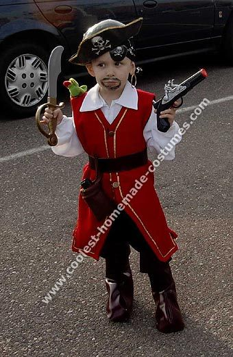 10 cool homemade pirate costume ideas for halloween for Easy homemade costume ideas for kids