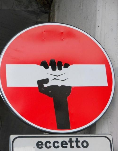 street art on signs   Clet Abraham-Street Art-Signs-France-Paris-Florence-Italy-Rome-009