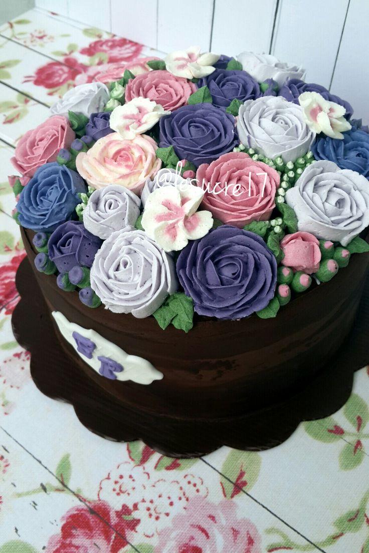 Flower Buttercream Cake By: Le Sucre Ig : @lesucre17
