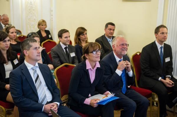 2014 - Tanácskozássorozatot indított a Magyarok a Piacon Klub és az Ökumenikus Segélyszervezet a KKV-k társadalmi felelősségvállalásáról | Magyarországi Evangélikus Egyház