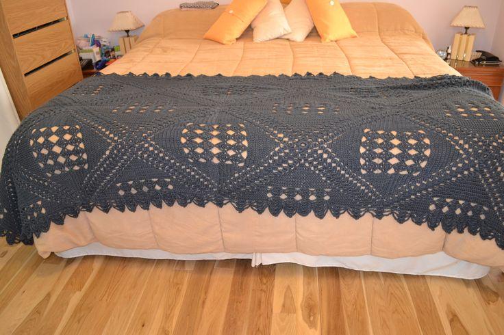 Manta ó pie de cama en crochet