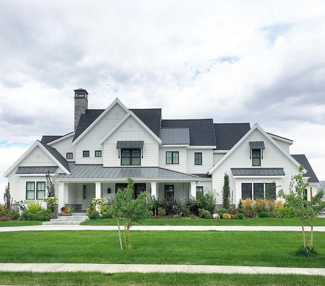 Best 25 farmhouse exterior colors ideas on pinterest for Farmhouse house plans