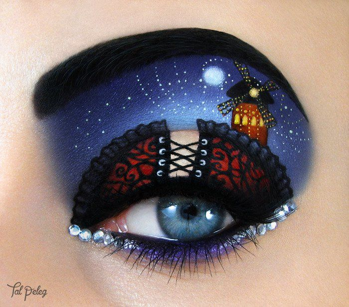Ojo de una chica usado para pintar una escena de la película Molin Rouge
