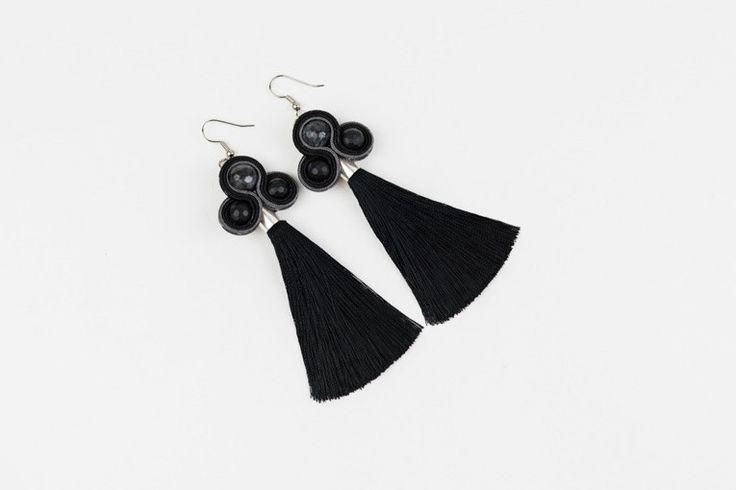 kolczyki z frędzlami frędzle czarne długie  - Featherland - Kolczyki