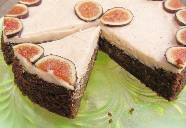 Υπέροχη+τούρτα+με+φρέσκα+σύκα+και+τέλεια+κρέμα+τυριού