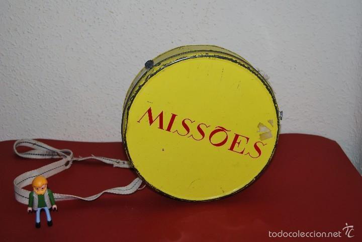 https://www.todocoleccion.net/cajas-metalicas-antiguas/hucha-misiones-portuguesas-lata-metal-domund-anos-50~x57252033