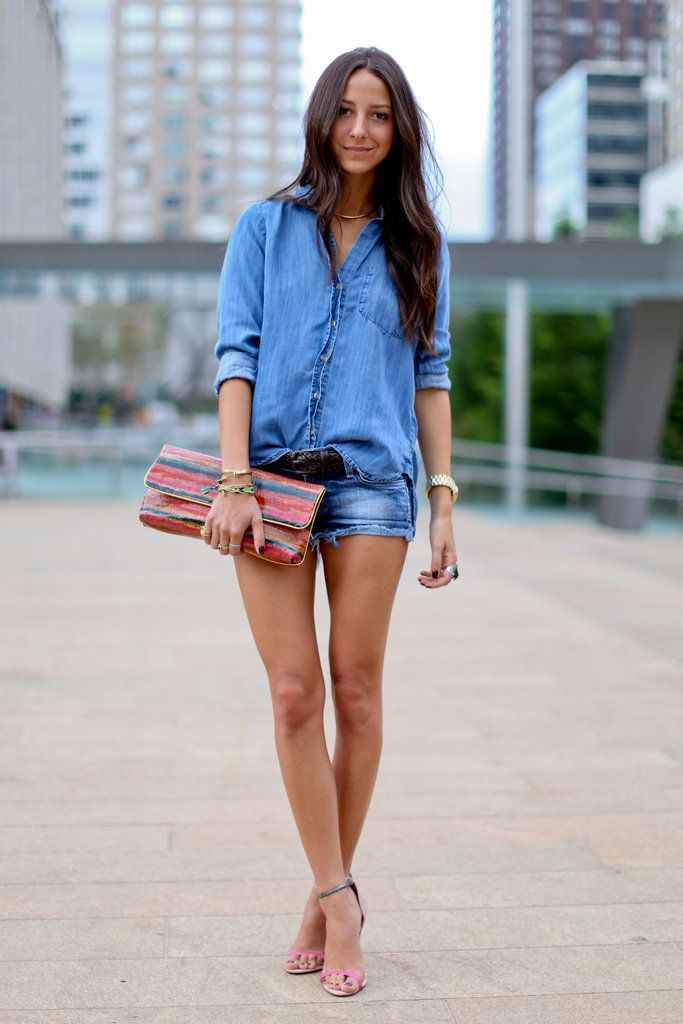 Rare is someone who can pull off a canadian tuxedo. Fashion Week Street Style. #So_fresh.