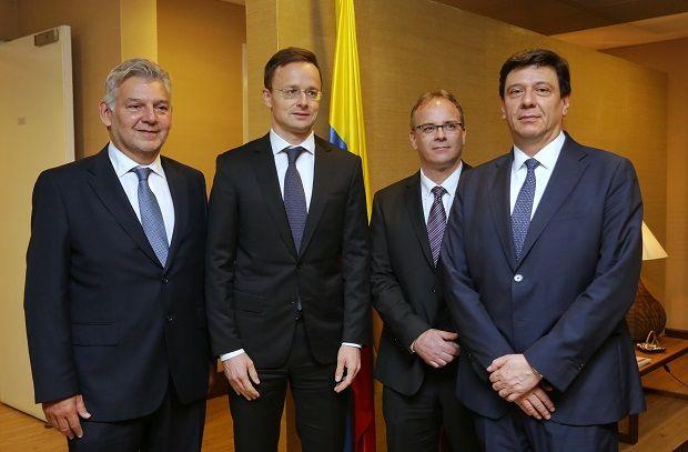 Ministro de Asuntos Exteriores y Comercio de Hungría llegó a Colombia para reunirse con el Presidente Santos y la Canciller Holguín, e inaugurar.....