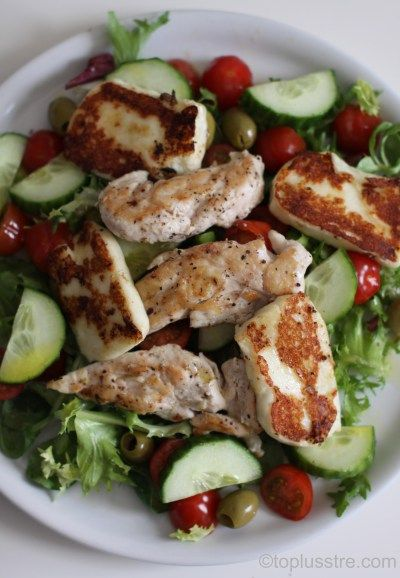 Fredagssnadder: Kyllingsalat med halloumi-ost - ToPlussTre