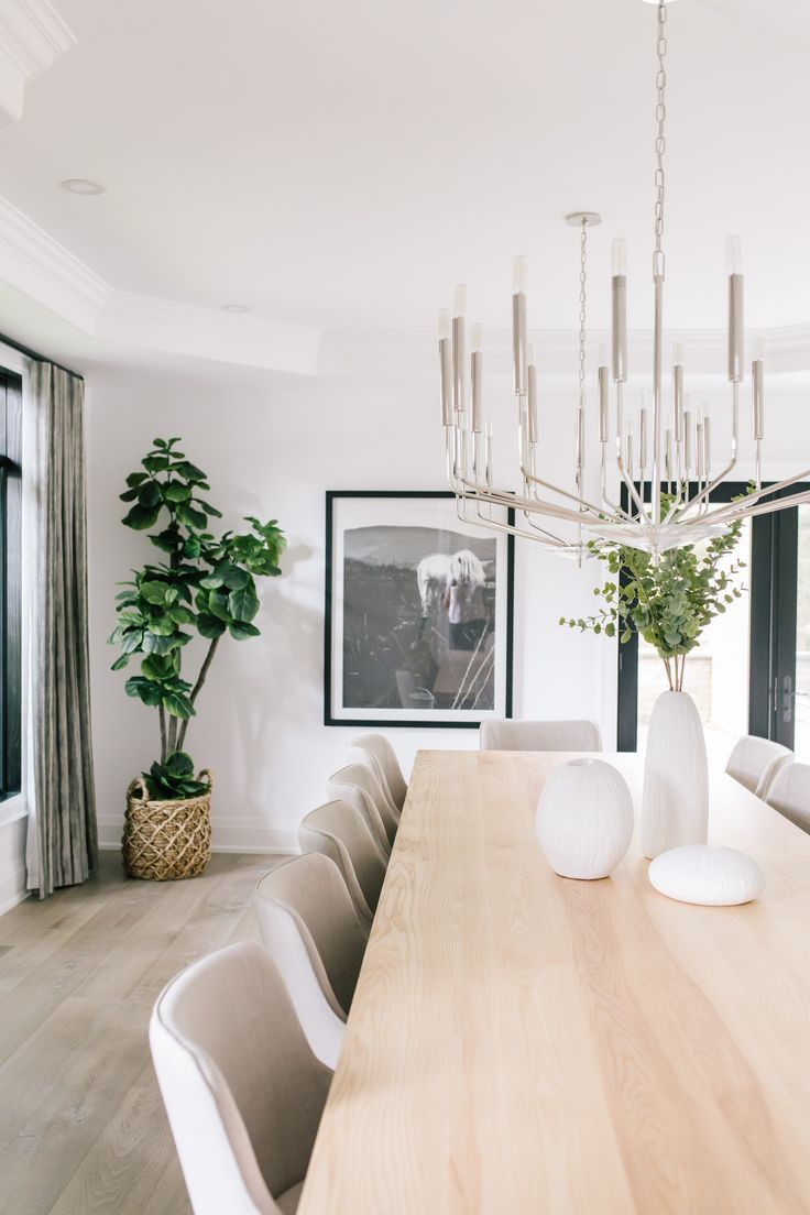 This Rustic Modern Dining Room Feels Fresh And Comfortable While