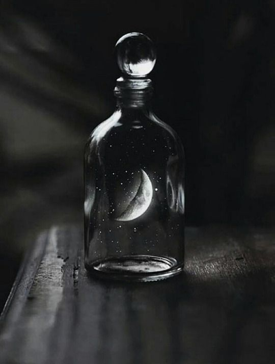 Moon: #Moon Magick.