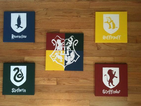 Un conjunto de 5 Harry Potter casa cresta por ShinyShoesnDecor