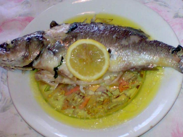 ricetta facile veloce spigola limone forno,spigole cote al forno con olio e prezzemolo,spigola secondo piatto,pesce cotto in forno,