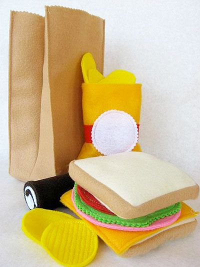 (Free!) Felt Food Patterns... I'm a little obsessed! (This post includes patterns for this brown sack lunch as well as a birthday cake, strawberries, donuts, canned chicken noodle soup, eggs, orange slices, popcorn, candy bar, pumpkin pie, vegetables & corn on the cob)