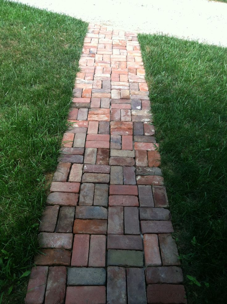19 best images about fh exterior on pinterest for Brick sidewalk edging