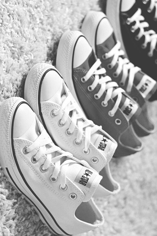 Perfect combination! I Really would like some white, grey and Black converse. Could become an addiction like Nikes!