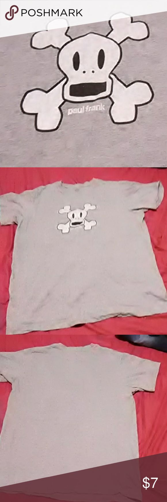 Paul Frank 🐒 Monkey 💀 Skull Tee Cute as can be Paul Frank Gray Monkey Skull and Crossbones Tee. This shirt is a size small and can be Unisex! This shirt is so soft and comfortable and cute!! Paul Frank Shirts Tees - Short Sleeve