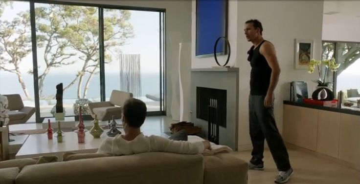 Jomaze design items @  REVENGE série.  Once again, we have been spotted on best TV series.   art on revenge abc nolans house season 3